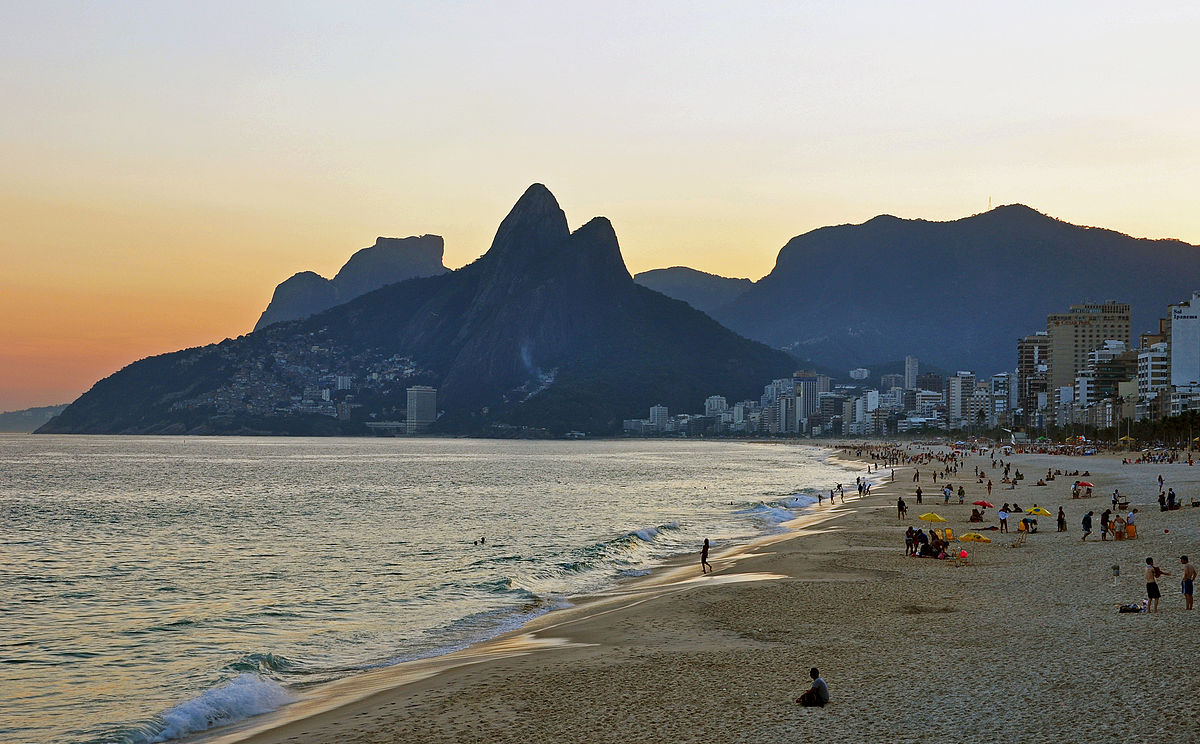 Ipanema is one of the coolest neighborhoods in Rio ... photo by CC user chensiyuan on wikimedia