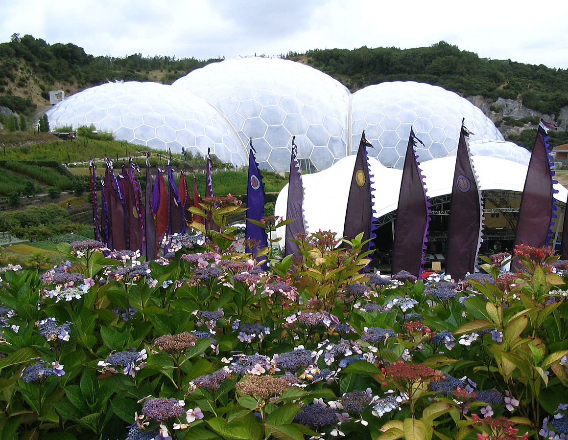 The Eden Project is a must see on a trip to Cornwall ... photo by CC user Patrick Charpiat on fr.wikipedia.org