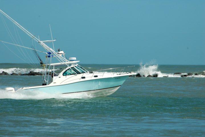 sport-fishing-boat-1420327529opM